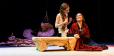 Regina Duarte volta ao teatro como rainha aprisionada