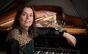 Pianista brasileira Clélia Iruzun se apresenta em São Paulo com trio internacional