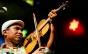 Cantor e músico pernambucano Maciel Salú convida o público para o Baile de Rabeca