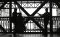 Dupla interpreta Beatles em contrabaixo acústico e viola caipira