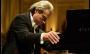 'João, o Maestro' retrata trajetória de João Carlos Martins como pianista