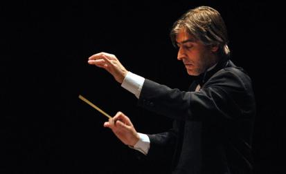 Maestro português Osvaldo Ferreira rege Osusp em concerto do Festival de Campos do Jordão