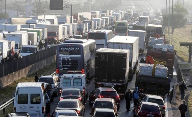 População_apoia_greve_dos_caminhoneiros