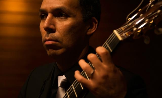 Jorge Caballero (imagem: Eduardo Sardinha/Guitarcoop)