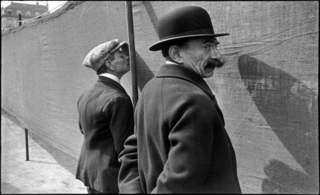 bruxelas. b+®lgica. 1932. henri cartier bresson  magnum photos
