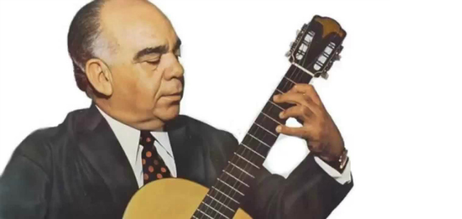 O centenário de um artesão do violão