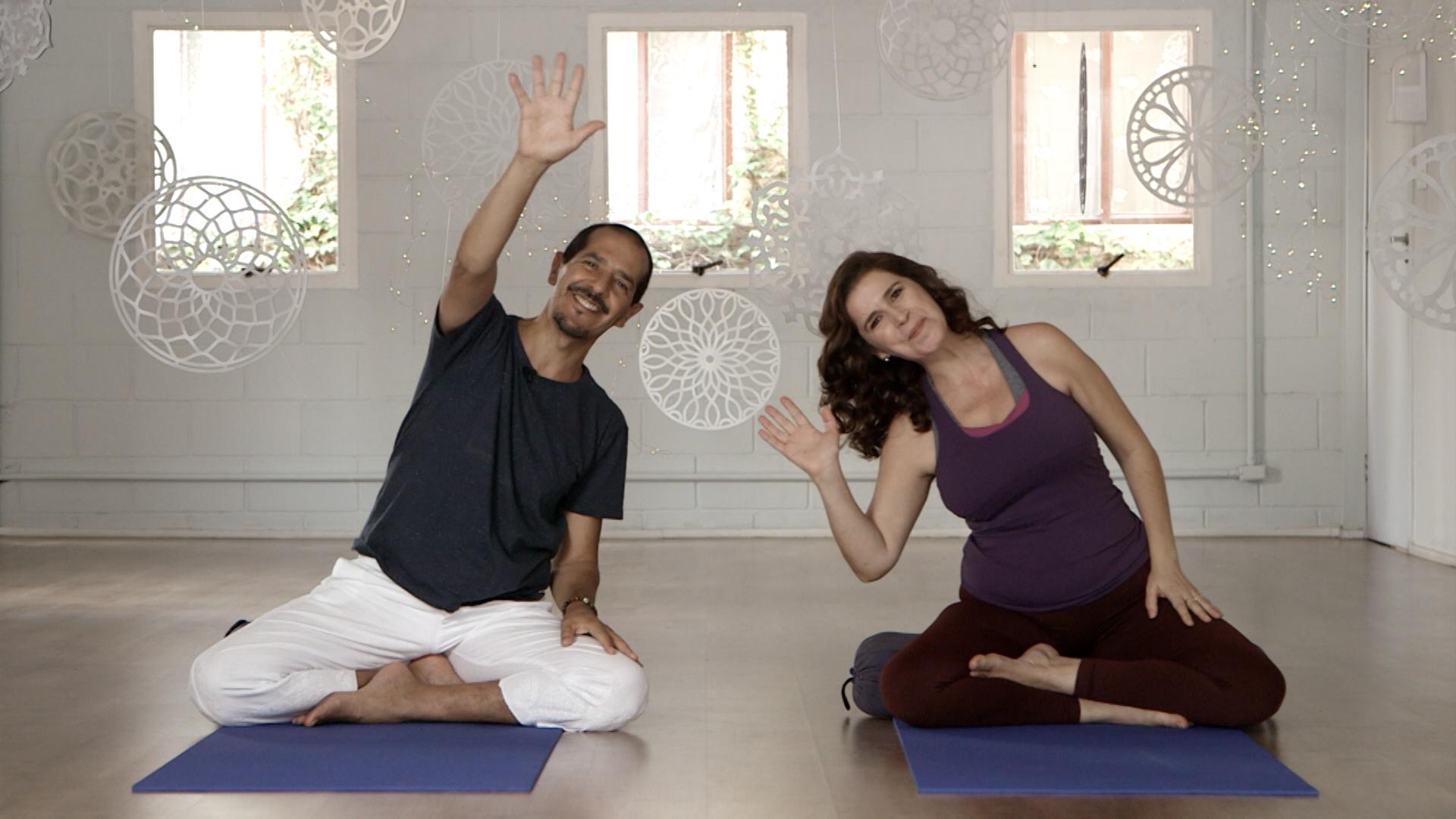 Yoga com Histórias em Casa